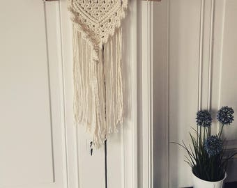 Small wall hanging macrame