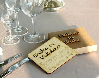 Wooden invitation in a box