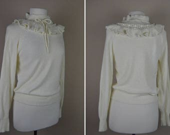 Off white ruffle collar sweater - large vintage sweater - long sleeve 1980s 80s eighties