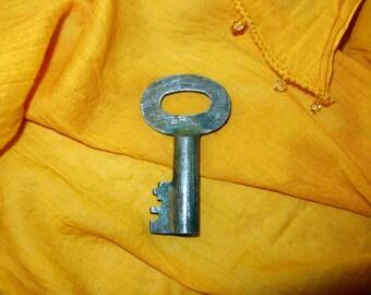 Old Key / Antique Key / Vintage Key / Skeleton Key / Rustic Key / Vintage Skeleton Key / Authentic Vintage Key / Steampunk / Old Iron Key