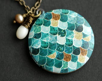Mermaid Scales Locket Necklace. Teal Green Mermaid Necklace with White Coral Teardrop and Fresh Water Pearl. Teal Necklace. Bronze Locket.