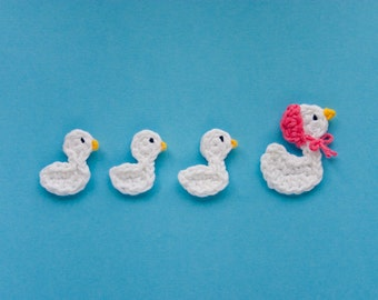 Mom Duck and her Ducklings Applique -  PDF Crochet Pattern - Instant Download - Embellishment hairclip ornament scrapbooking