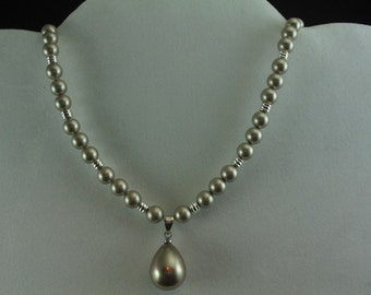 Glass Pearl Necklace. Listing 29470097