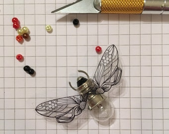 Bee lightbulb insect dragonfly tiny keepsake gift accessory defunkyard