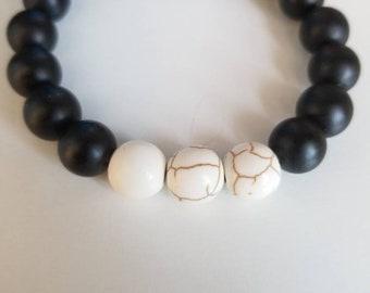Black and White  Gemstone Beaded Bracelet