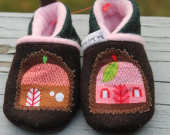 Baby girl Slippers / wool Boots / Leather Soles Shoes /Gnome House / Fairy booties