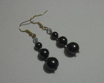 Dangling earrings with black Swarovski pearls