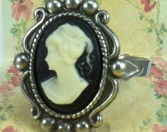Black Cameo Ring Vintage Victorian Style, Adjustable Ring, Adjustable Black Cameo Ring