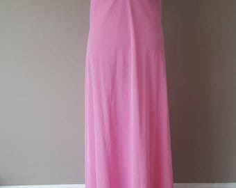 38 / Vanity Fair / Pink Long Nightgown / FREE US Shipping / Gown / Nylon / Medium