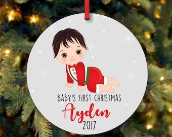 Baby Boy erste Ornament, personalisierte Christbaumkugel, individuelle Christbaumkugel, schwarzes Haar Baby Boy Christbaumschmuck (0105)
