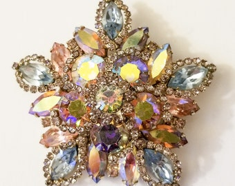 Vintage Star Shaped Rhinestone Brooch - Reflects All Colors of the Rainbow