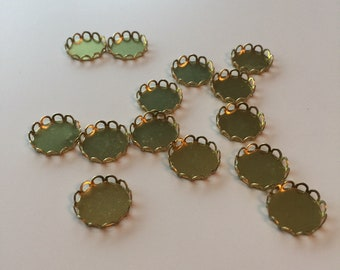 Lace edge round cabochon settings - 16mm - 14 pieces