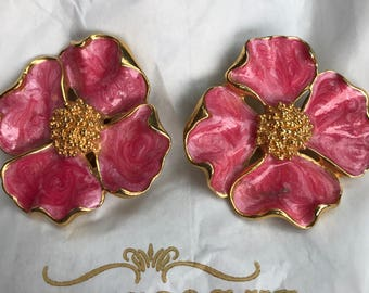 Enameled Pink Dogwood Clip Earrings, ca. 1980s vintage, gold tone w/ swirled finish