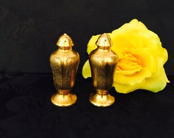 Kitchen wares Pickard fine china 24kt gold leaf salt & pepper table shakers hallmarked