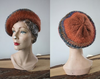 vintage 1970s beret / 70s knit beret / 70s wool knit cap / 70s rust knit tam / made in italy / 1970s Hudson's