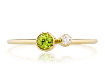 Peridot Ring, 14K Gold Peridot and Canadian Diamond Ring, Birthstone Ring, Gift for Her, August Birthstone