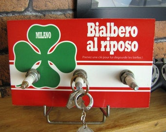 "Hanging keys wall Alfa Romeo ""Perfect al riposo"" 3 candles"