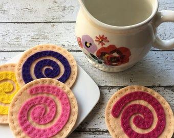 felt cookies, play food cookie set, waldorf toys, montessori toddler toy, tea party cookies