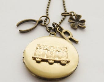 Owl Locket, Owl Necklace, Woodland Locket, Lucky Locket, Bird Locket, Photo locket Necklace, Locket Necklace, Photo Locket