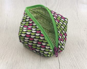 Geometric Green/White/Pink Peapod Pouch Cable Organizer
