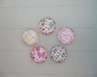 5 glass illustrated hearts 20mm round cabochons