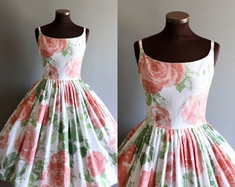 1950s Style White Pink Green Floral Rose Print Full Pleated Skirt Cotton Dress