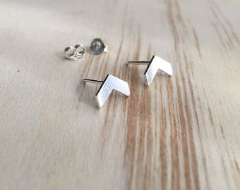 Tiny chevron stud earrings- 925 Sterling Silver - Tiny Stud earrings - Minimalist Earrings - Geometric earrings - everyday jewelry - studs