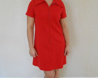 Vintage 1970s zip-up collared polyester mini scooter dress, size Medium