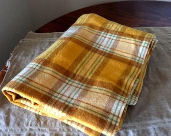 Fabulous 100% wool Vintage Waverley Blanket. My Vintage Home.