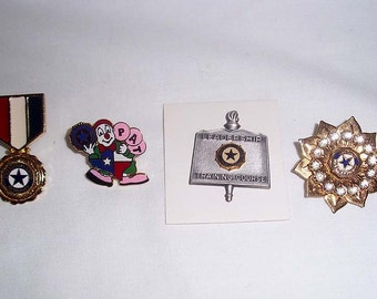4 Vintage American Legion Auxiliary Pins - US American Veterans Organization - Military Lapel Pin