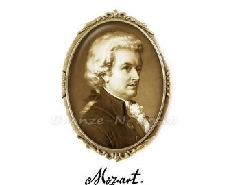 Brooch pin Wolfgang Amadeus Mozart cabochon retro vintage