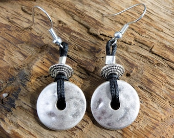 Earrings rondelle silver plated and cotton black wax