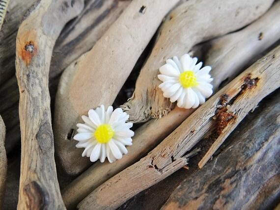 Small Daisy Stud Earrings Studs Sun Flower Summer Yellow Happy Festival Hippie Earring Boho Earring Ear Rings Sunflower