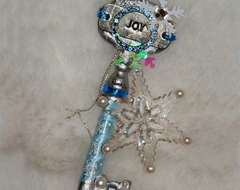 JOY Winter FAIRY KEY Embelleshed Magic Tool with Organza Bag and Scroll