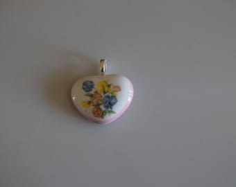 Heart Bouquet of Flowers Fused Glass Pendant And Silver Mesh Chain