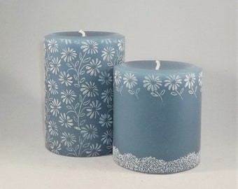 Blue Daisies Pillar Candle Set, Daisies Candle, Blue Daisy Candle, Daisy Gift, Spring Summer Candles, Engraved Candle, Carved Candle