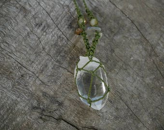 Natural Gem Crystal Quartz Macrame Necklace / METALFREE