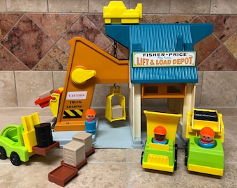 Fisher Price Play Family Lift & Load Depot #942