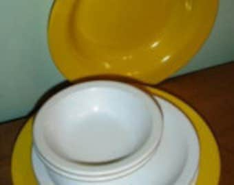 vintage kitsch ... MELMAC 2 Rimmed BOWLS 4 Plates 2 Fruit GROUP ...