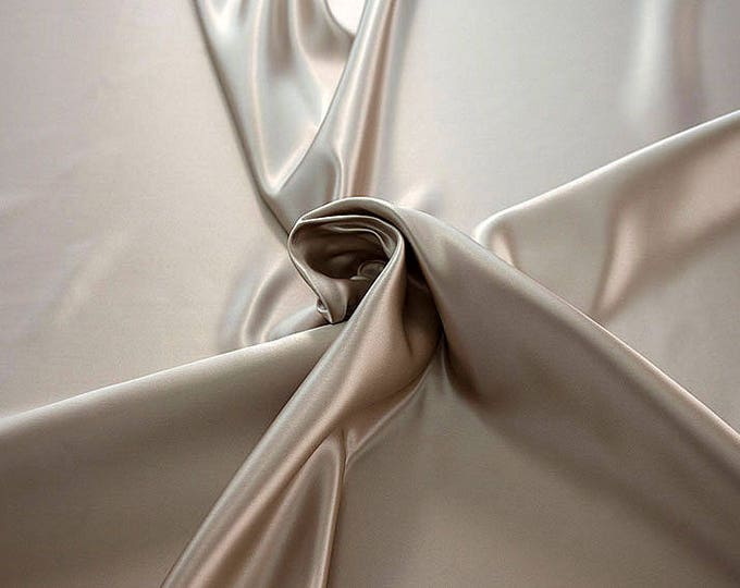 978010-Polyester Satin 100%, 150 cm wide, made in Italy, dry cleaning, weight 260 gr, price 1 meter: 23.84 Euros