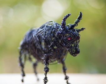 Bull Figurine, Taurus Gift, Stay Strong Gift, Bull Wire Art, Wire Figurine, Bull Statue, Taurus Art, Taurus Sign, Zodiac Gift