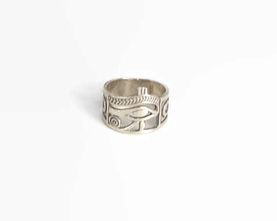 Egyptian silver ring with Eye of Horus and Ankh Crosses, wide band ring, size S.5 / 9.25, 6.3 grams, circa 1980s