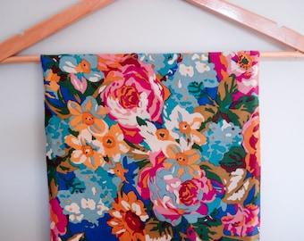 Charming floral scarf - Club 7