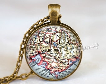 AUSTRALIA MAP Necklace Pendant, Melboure Australia, Australia Keychain, Australia Jewelry, Australia Necklace, Vintage Australia Map