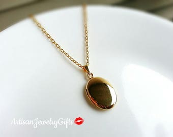 Tiny Oval Gold Locket Tiny Oval Locket Minimalist Necklace Tiny Locket Necklace Minimalist Locket Dainty Locket Mother's Day Gift For Her