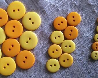 Set of 30 assorted buttons plastic 10 mm 15 mm and 20 mm