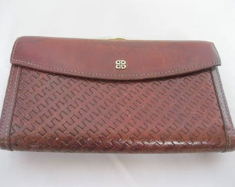 Brown Textured Leather Bosca Wallet W/ Kiss Lock