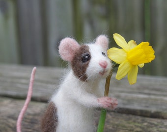 Needle Felted Pet Mouse, Custom Poseable Realistic Life Sized