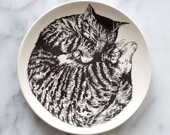 Illustrated cat plate