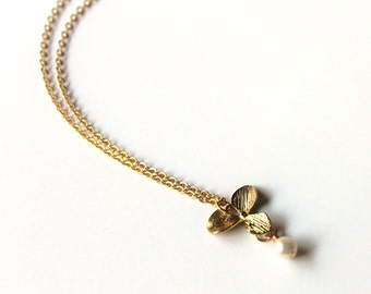 Flower Necklace, Gold Flower Necklace, Tiny Flower Necklace, Dainty Jewelry, Delicate Jewelry, Flower Jewelry, Valentines Day Gift for Her